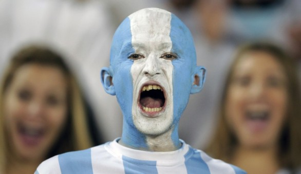 130685-hot-and-crazy-football-fans